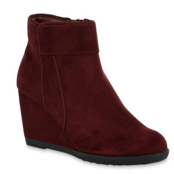 074071b56e9 New burgundy colored wedge booties